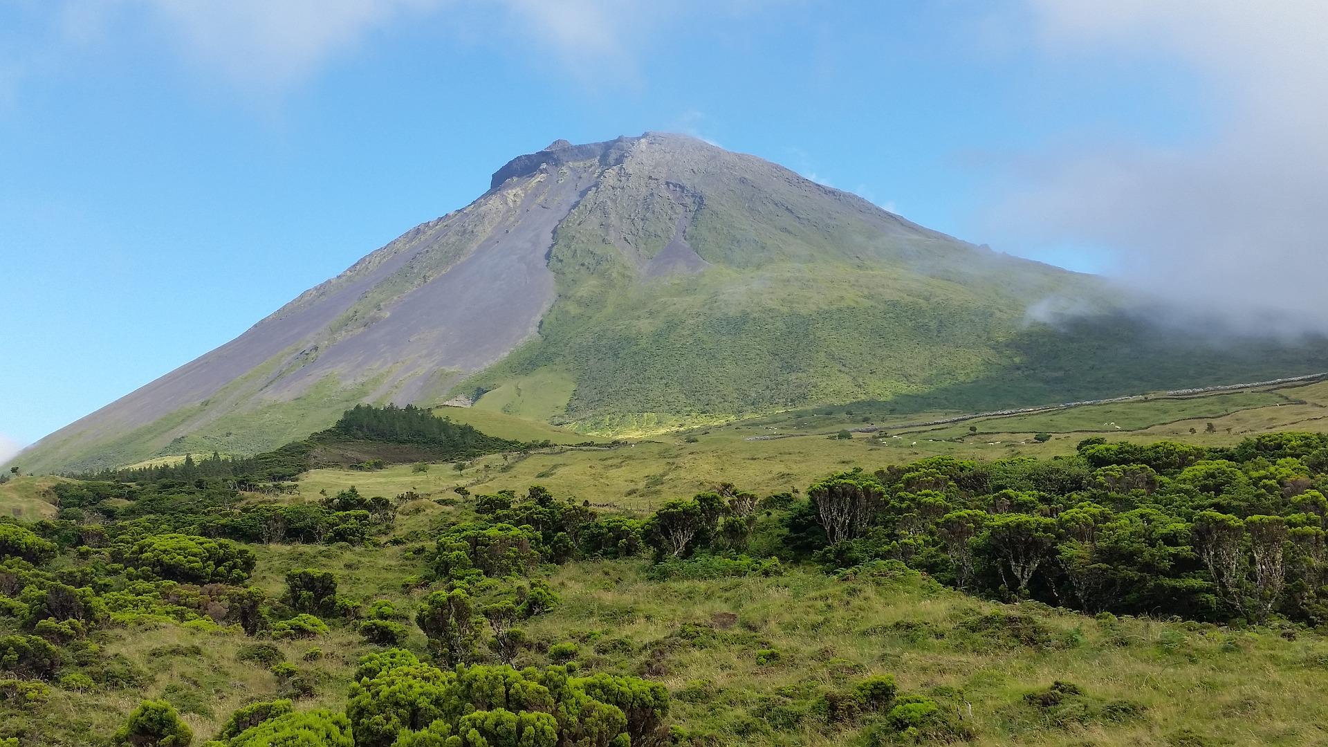 grande cono di vulcano