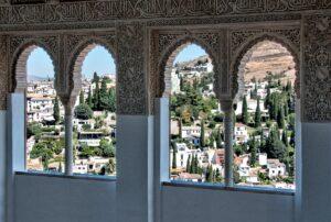 Veduta da finestre gotiche